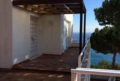 Таунхаус у самого моря с частным пляжем на Коста Браве